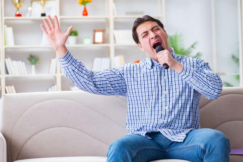 Die Nachbarn erzählten, der 29-Jährige würde immer wieder mitten in der Nacht singen (Symbolbild).