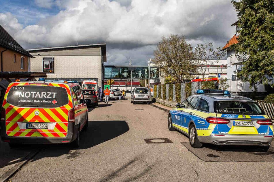 Chemie-Experiment an Schule missglückt: Mehrere Lehrer und Schüler verletzt!