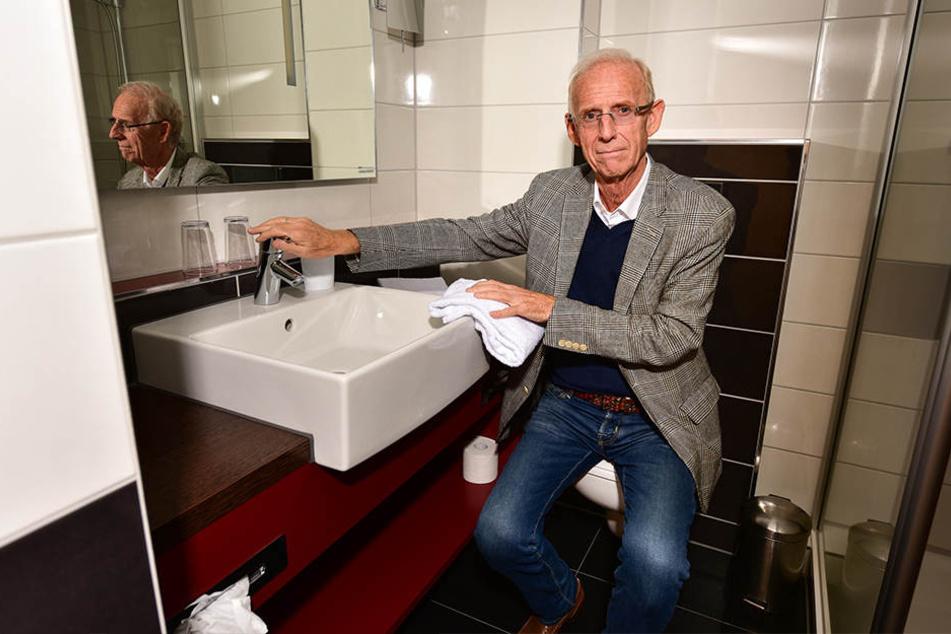 Hier läuft nix mehr: Hotel-Chef Dieter Schröter muss sauberes Trinkwasser per Tanklaster zum Hotel bringen lassen.