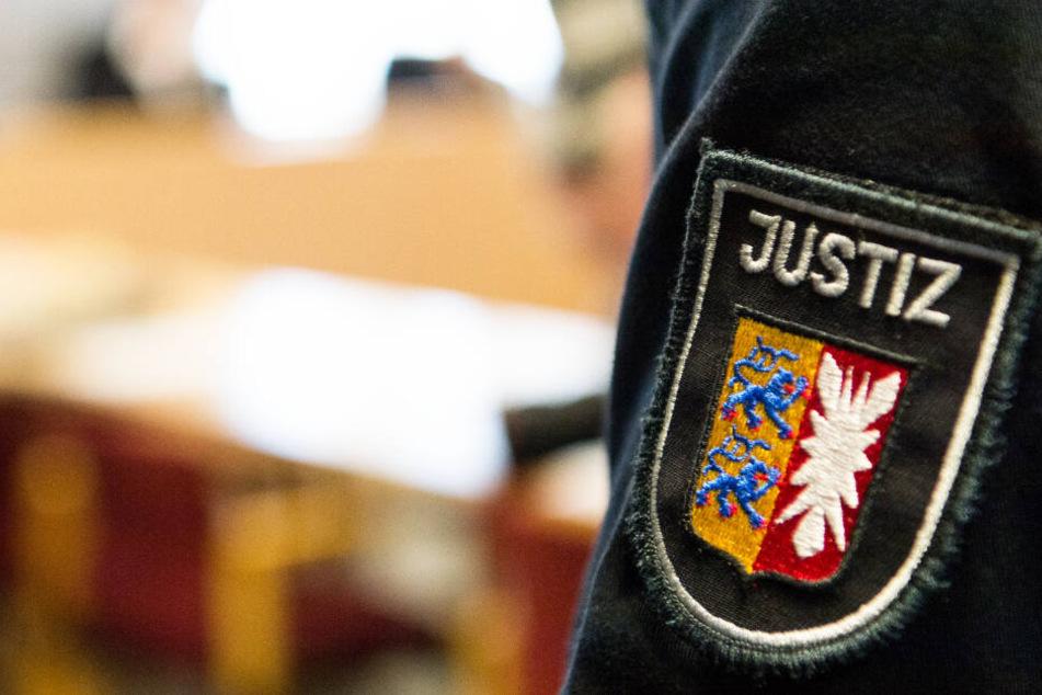 Ein 29-Jähriger muss sich ab Dienstag vor dem Landgericht in Lübeck wegen Vergewaltigungsvorwürfen verantworten.