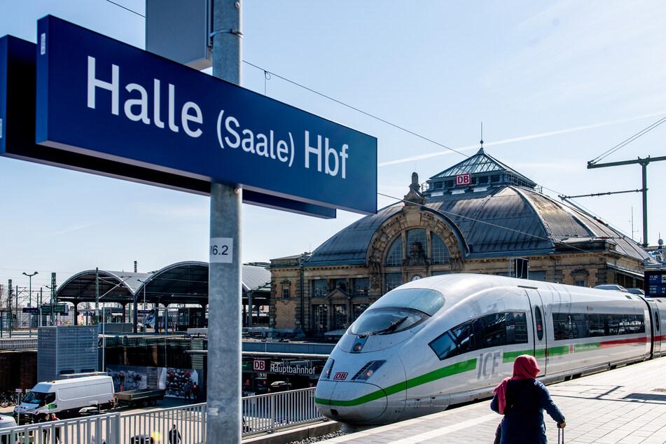 Eine per Haftbefehl gesuchte Frau wurde am Mittwoch am Hallenser Bahnhof aufgegriffen. (Archivbild)