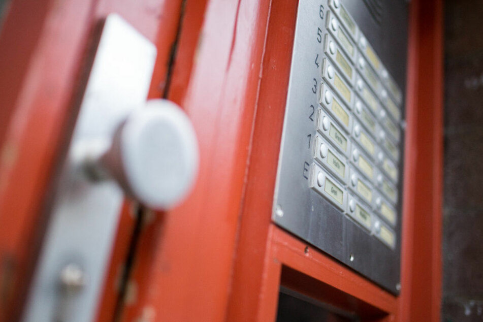 Nummer statt Nachname: Verstößt das Klingelschild gegen den Datenschutz?