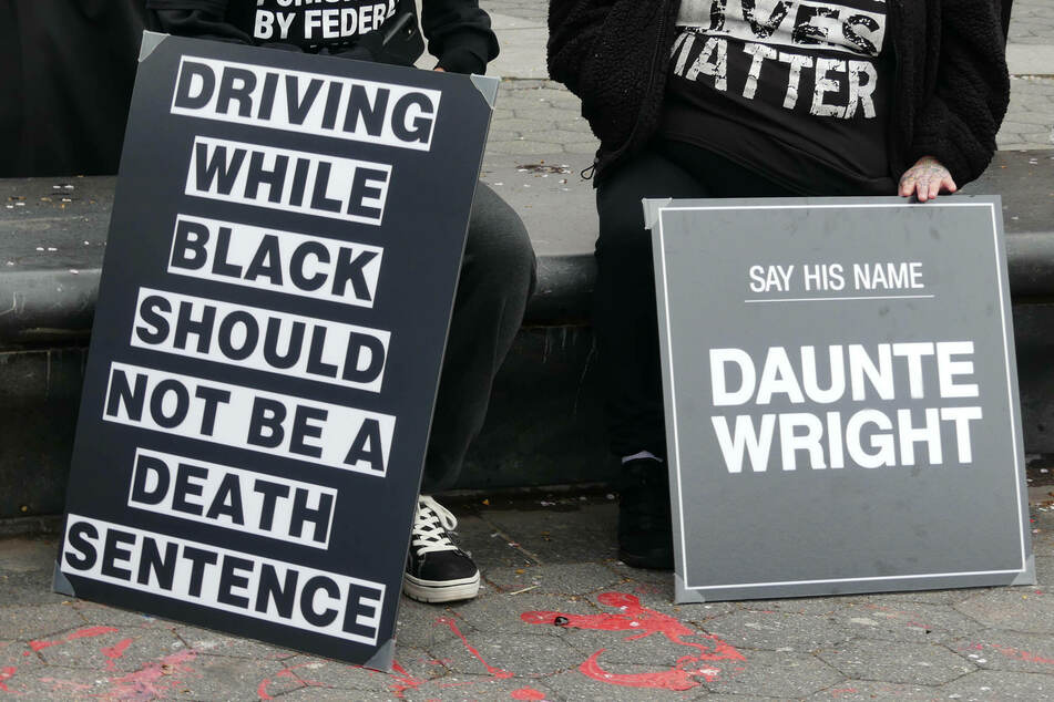 Brooklyn Center police say officer who shot Daunte Wright meant to draw Taser, not gun