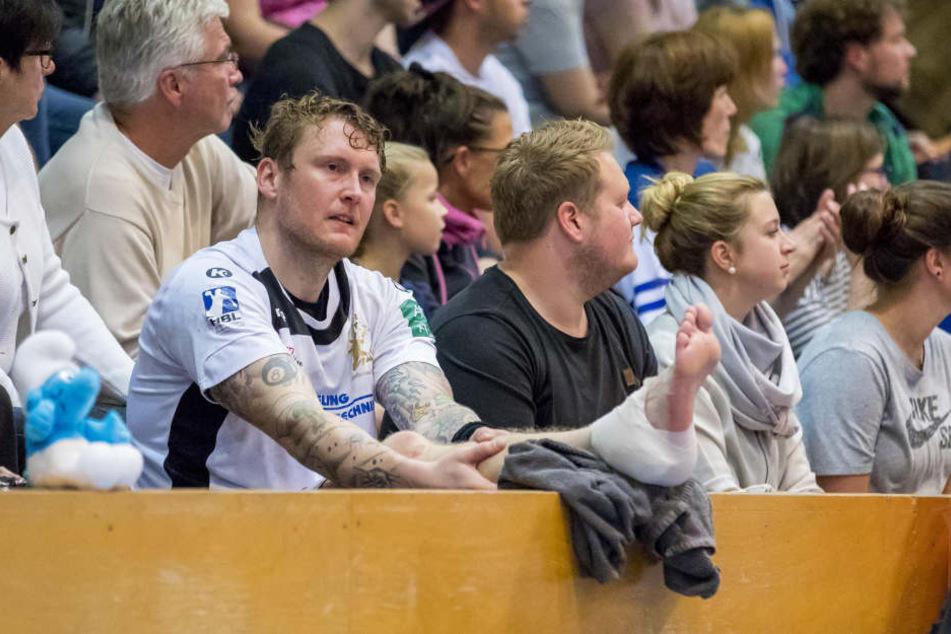 Henning Quade musste erst auf die Tribüne, dann wurde er ins Krankenhaus gebracht.