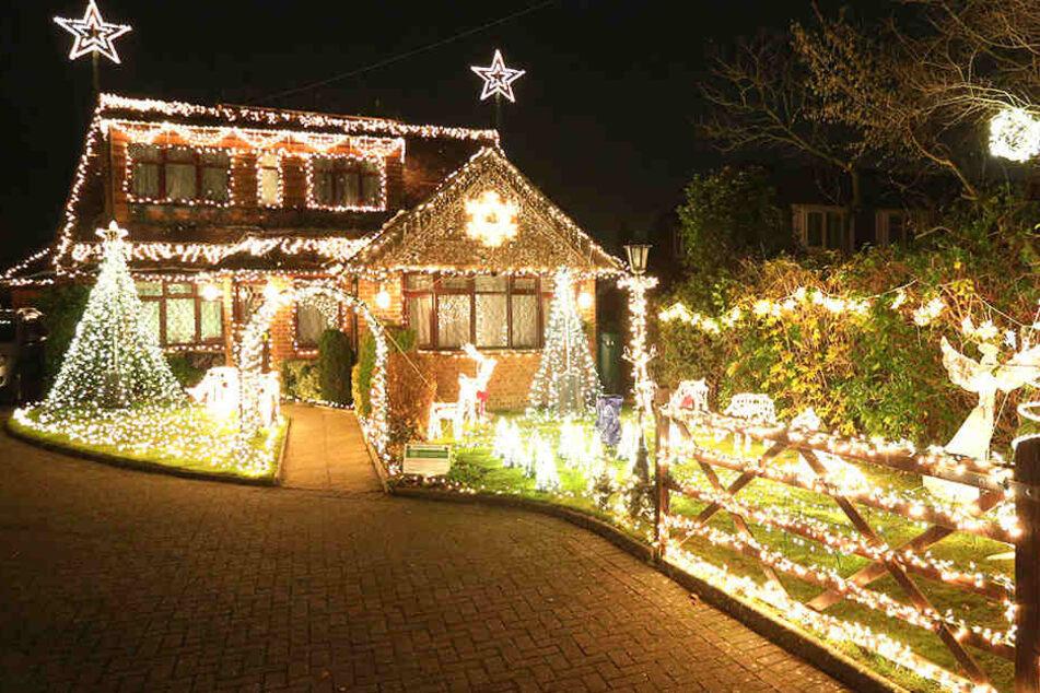 Amerikanische Weihnachtsbeleuchtung.Frau Bekommt Stromrechnung über 284 Milliarden Dollar Tag24