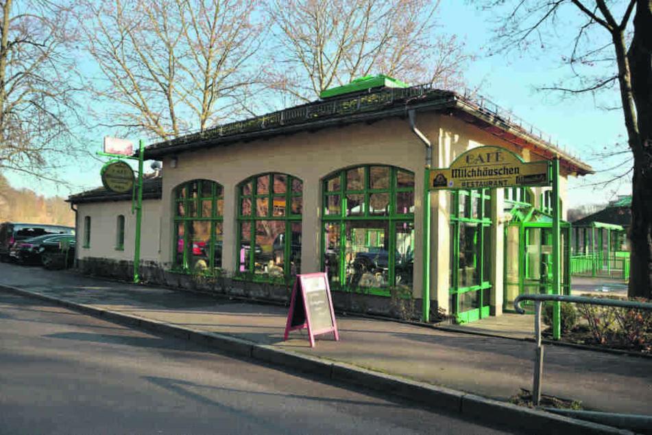 Das Café Milchhäuschen am Schlossteich wurde in den vergangenen fünf Wochen renoviert.