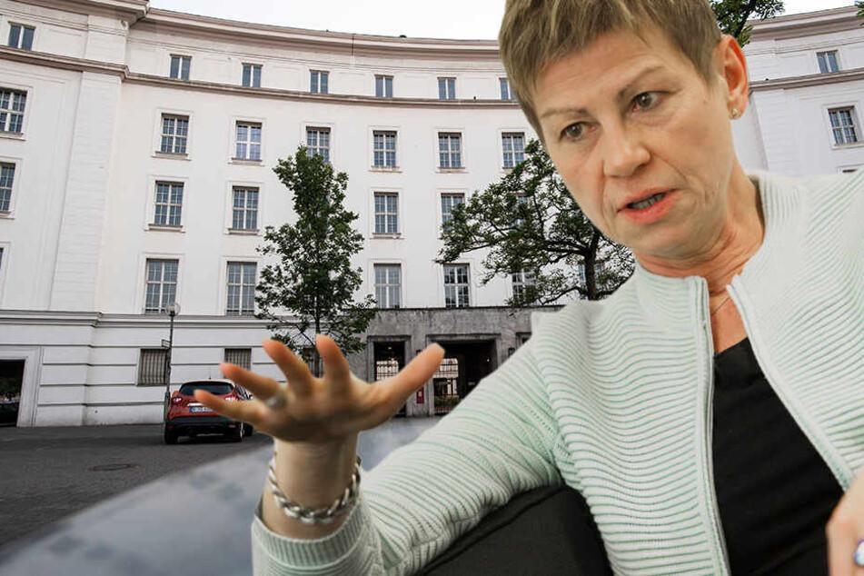 """Laut Breitenbach seien die Proteste der Flüchtlinge berechtigt. Die Zustände in der Unterkunft bezeichnete sie als """"nicht hinnehmbar""""."""