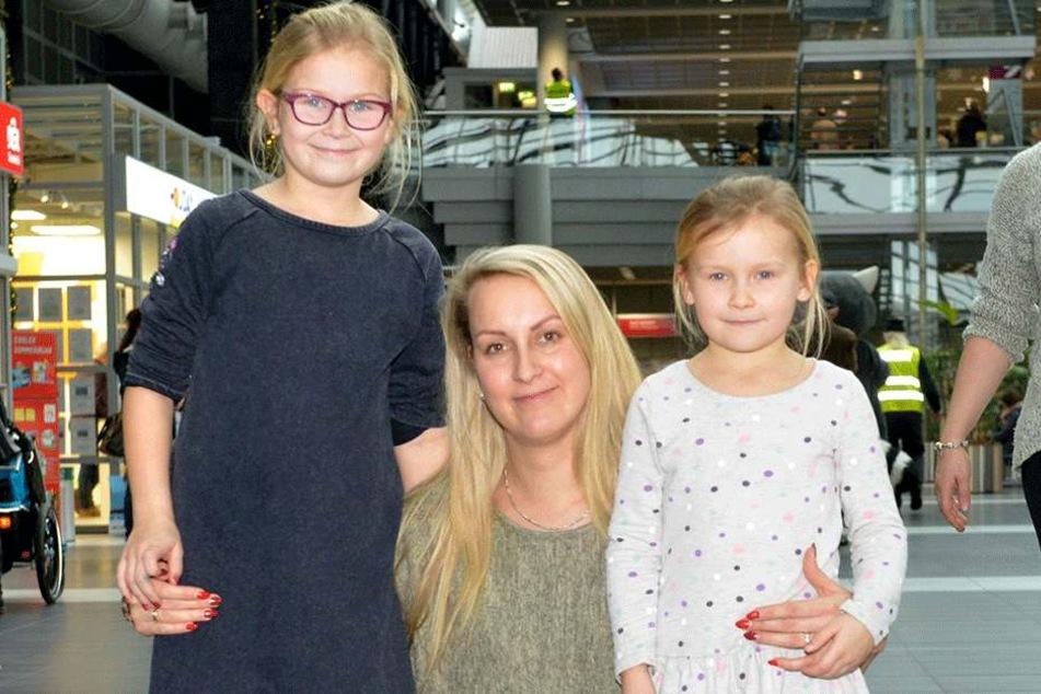 Claudia Zarach (30) und die beiden Töchter Celine (9) und Lena (6).