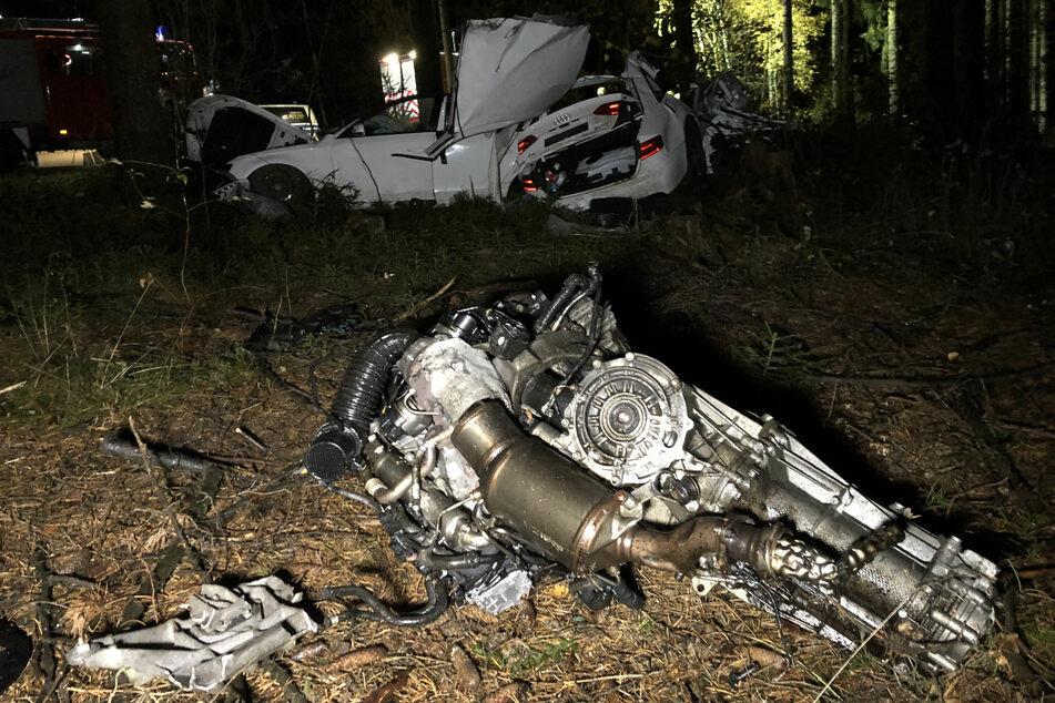 Der Motor wurde aus dem Fahrzeug geschleudert.