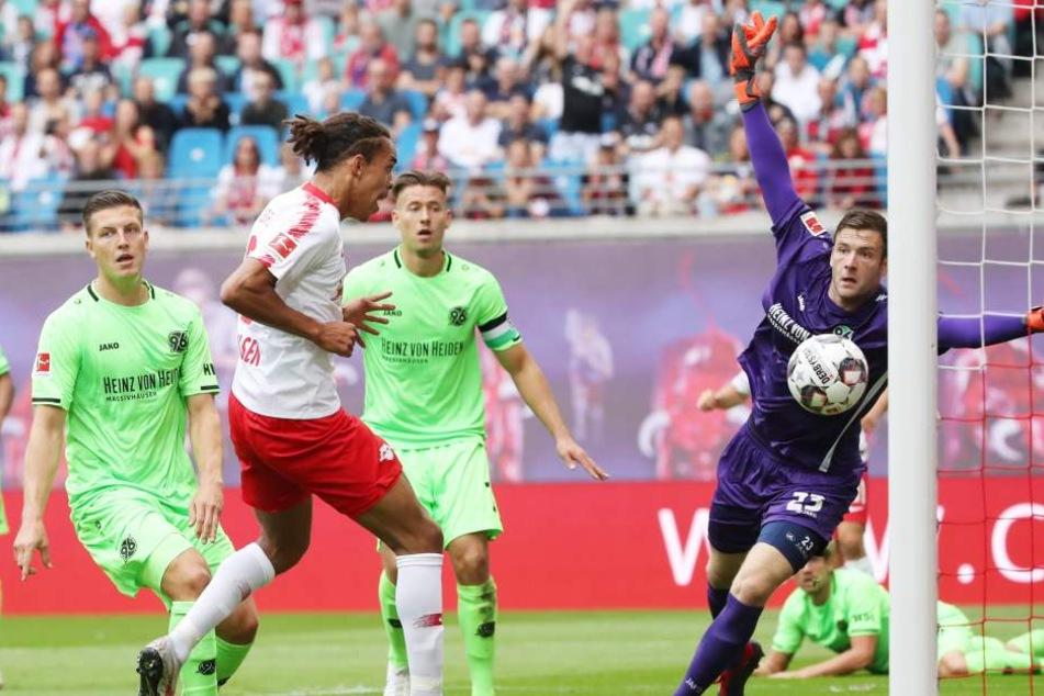 Freistehend traf Stürmer Yussuf Poulsen bereits in der 9. Minute per Kopf zur 1:0-Führung für RB Leipzig.
