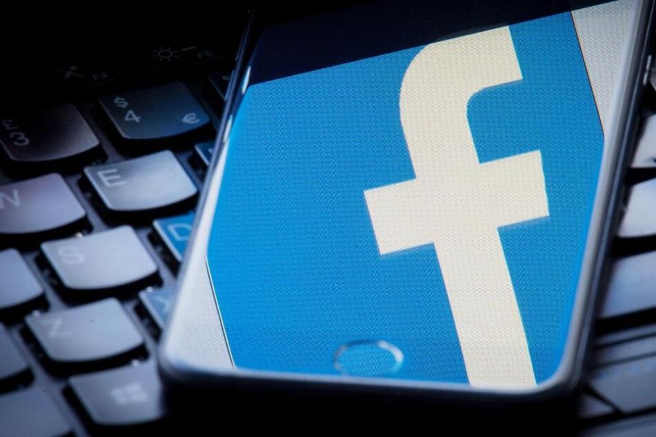 """Beschluss im Eilverfahren: Facebook muss """"Hassrede""""-Post wiederherstellen"""