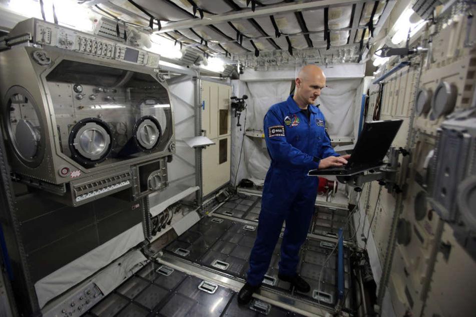 Als ISS-Kommandant trägt Gerst 400 Kilometer über der Erde die Verantwortung.