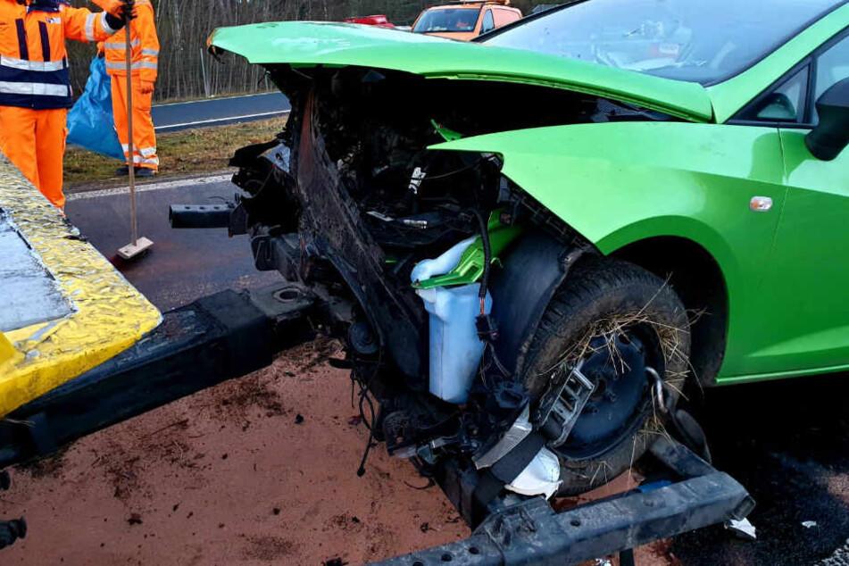 Der Seat wurde bei dem Unfall schwer beschädigt.