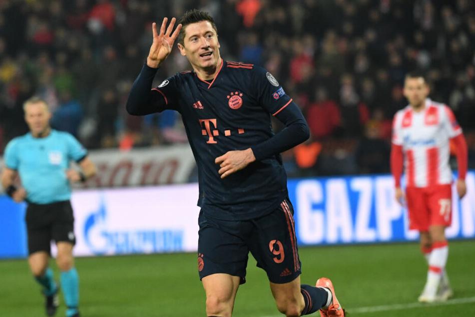 Eins, zwei, drei, vier: Robert Lewandowski bejubelt seinen vierten Treffer.