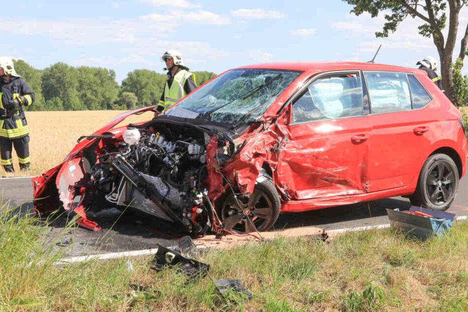 Eines der Autos nach dem Unfall.
