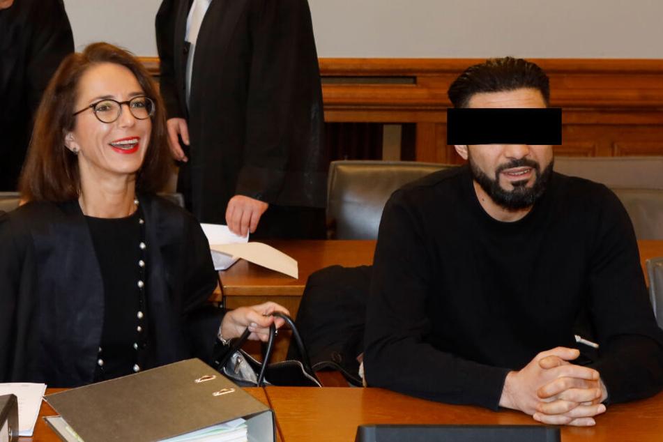 Er soll die Opfer in den Hinterhalt gelockt haben: Taner A. (42), hier mit seiner Anwältin Dr. Ines Kilian (51).