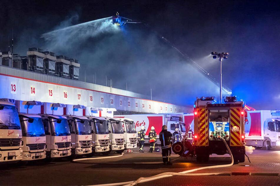 Die Brandursache ist unklar. Es wurden keine Menschen verletzt.