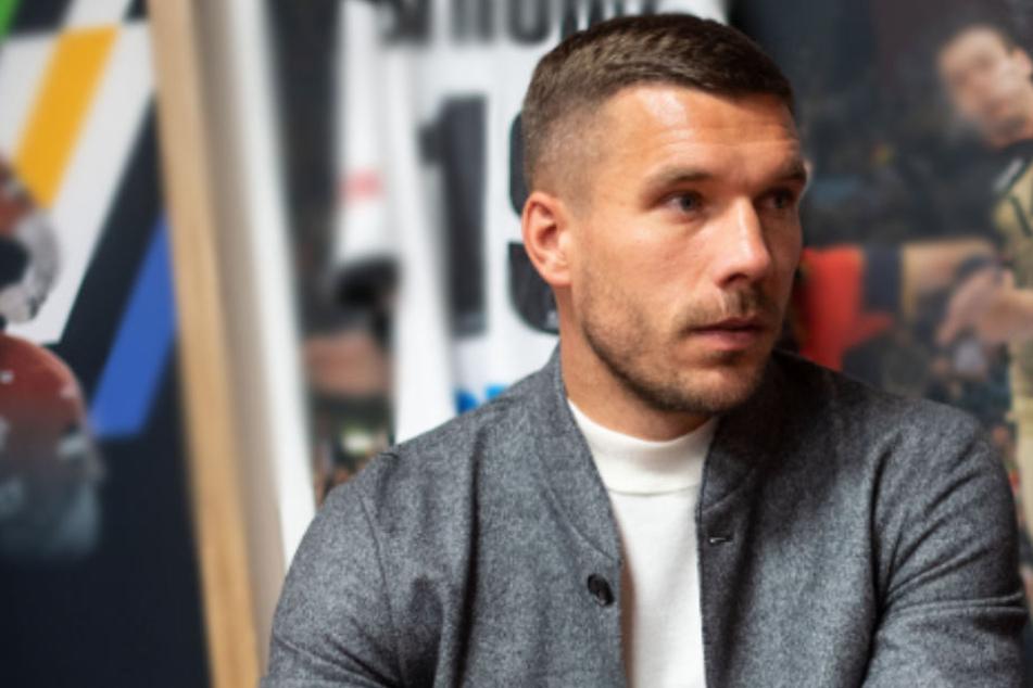 Zum Transfer des Franzosen hat die FC-Ikone Lukas Podolski eine klare Meinung.