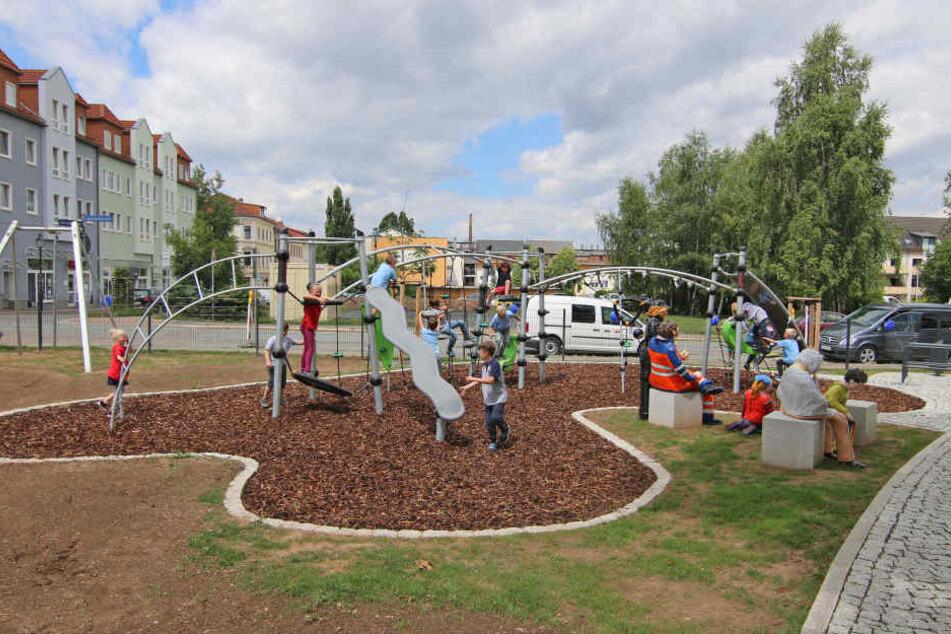 Nach zehn Monaten: Neuer Spielplatz endlich fertig