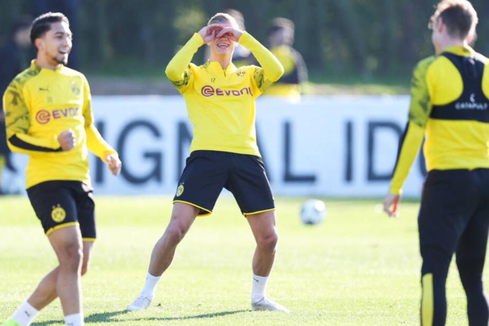 Erling Haaland hatte beim BVB-Training sichtlich Spaß.