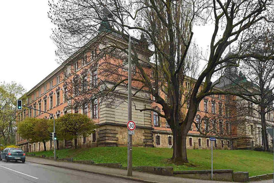 Vor dem Gymnasium Plauen gilt bereits eine Geschwindigkeitsbegrenzung -  allerdings an einer Nebenstraße.