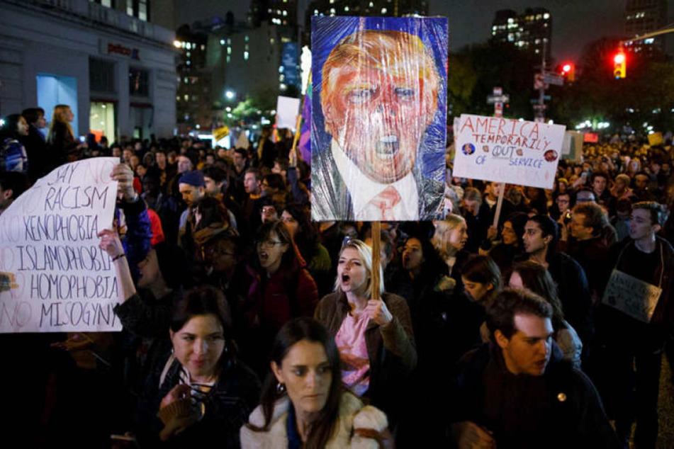 Nach Angaben des Senders CNN wurden aus mindestens sieben Städten Proteste gemeldet.