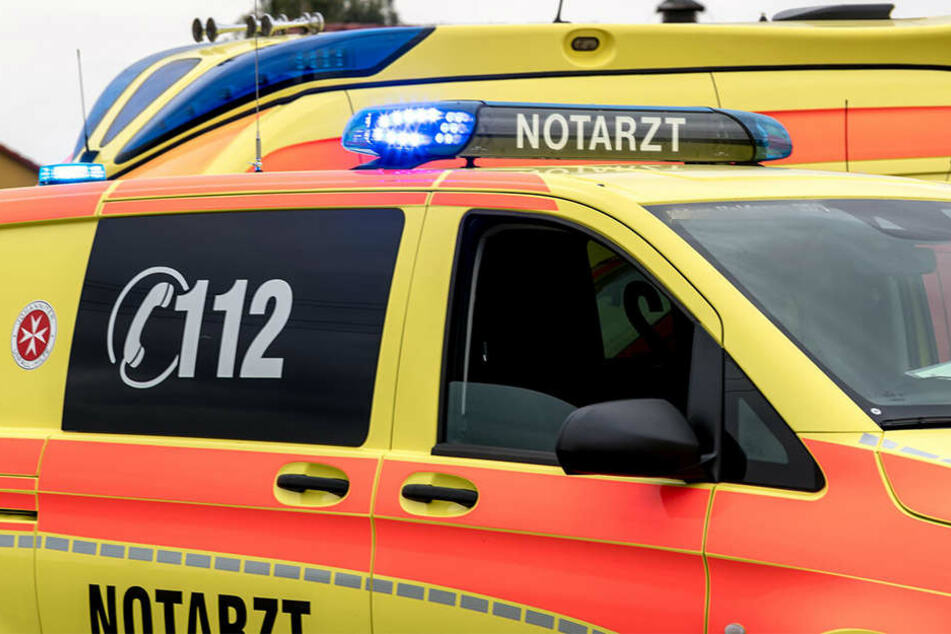 Ein 57-jähriger Mann ist im Stadtteil Stötteritz in einen Zaun gekracht und gestorben. Wahrscheinlich waren gesundheitliche Probleme Schuld am Unfall.