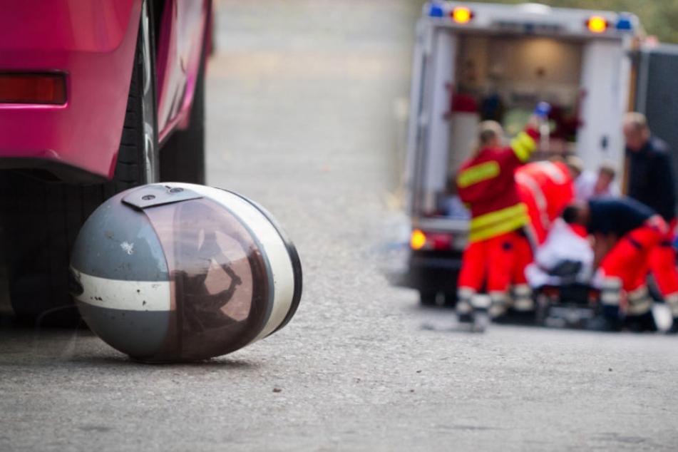 Der Rollerfahrer wurde bei dem Unfall schwer verletzt (Symbolfotos).