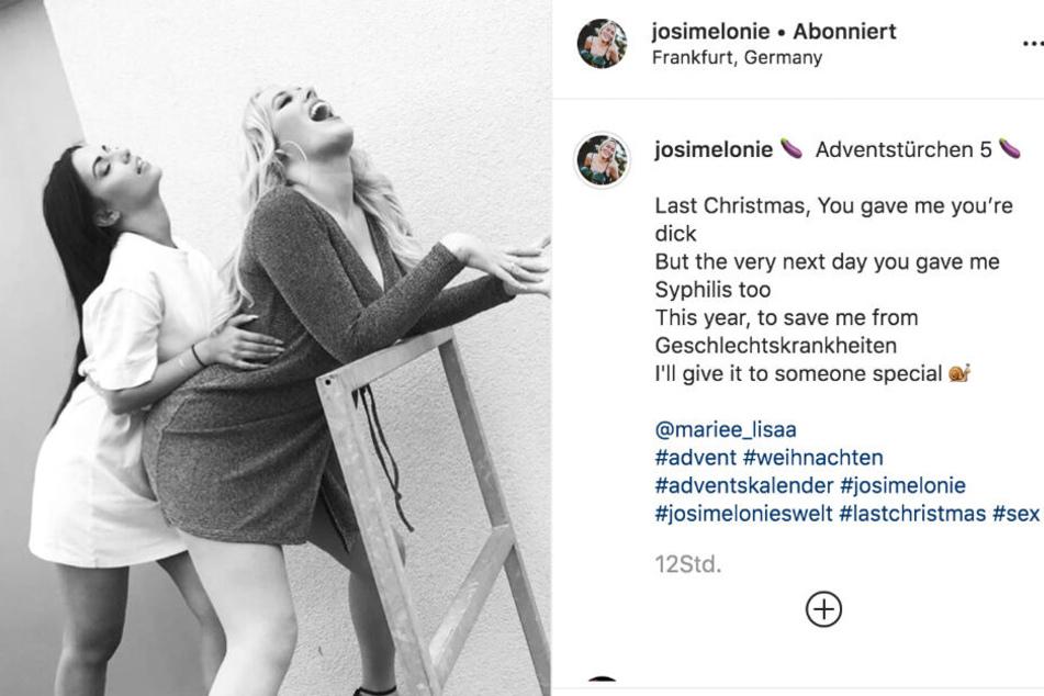 Schlager-Sängerin Josimelonie postete zwei frivole Schwarzweiß-Bilder als Adventsgruß.