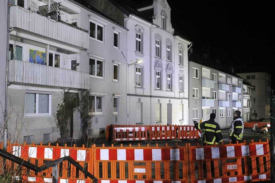 Unter den einsturzgefährdeten Häusern in Wuppertal haben sich nach ersten Schätzungen Hohlräume gebildet.