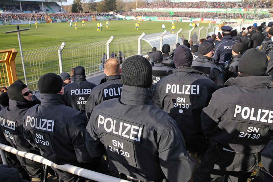Bereits im November war ein Großaufgebot der Polizei vor Ort. Dies wird auch am Samstag der Fall sein.
