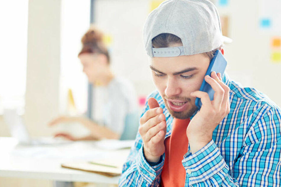Studie belegt: Deswegen haben viele Angst vor dem Telefonieren!