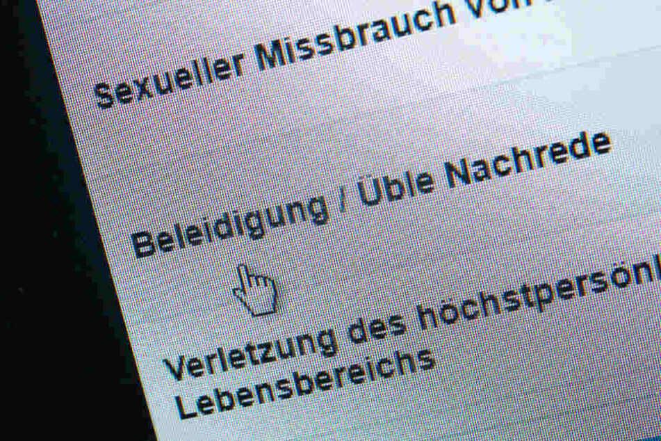 Beleidigungen im Netz sollen in Bayern künftig mit Gefängnis bestraft werden können.