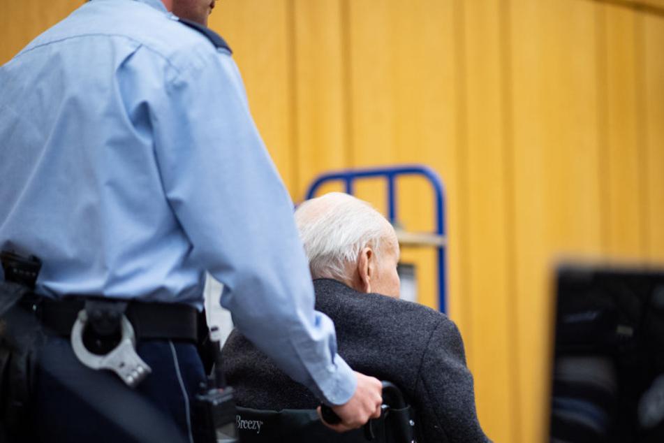 Der 94-Jährige bestritt, in dem Konzentrationslager je Tote gesehen zu haben.