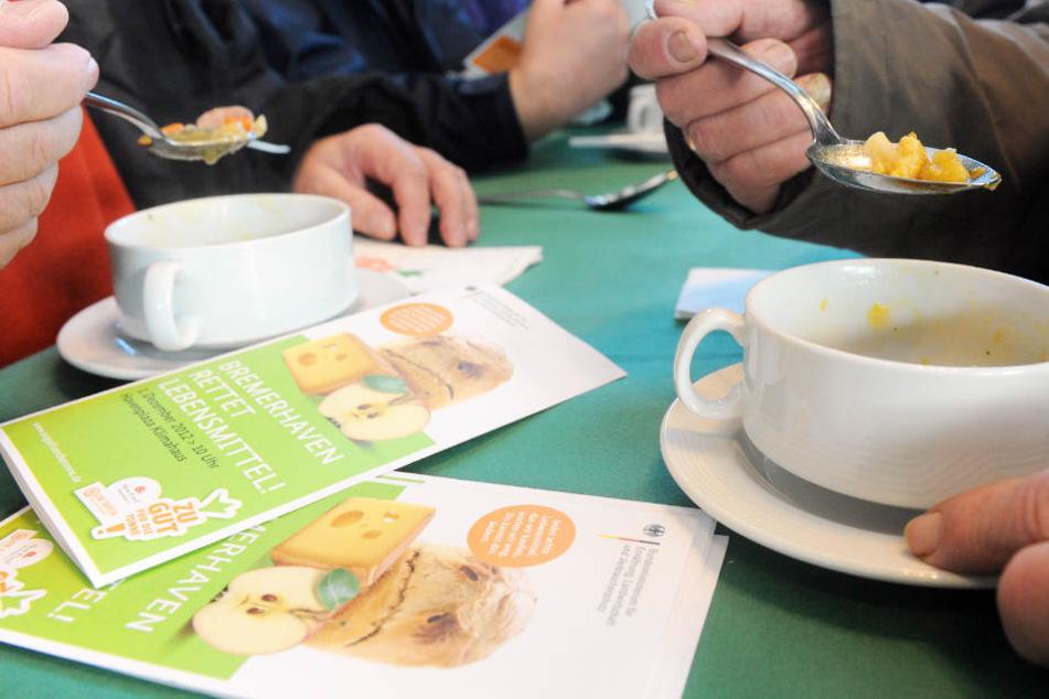Skandal: Tafel-Mitarbeiter sollen Lebensmittel für sich abgezweigt haben