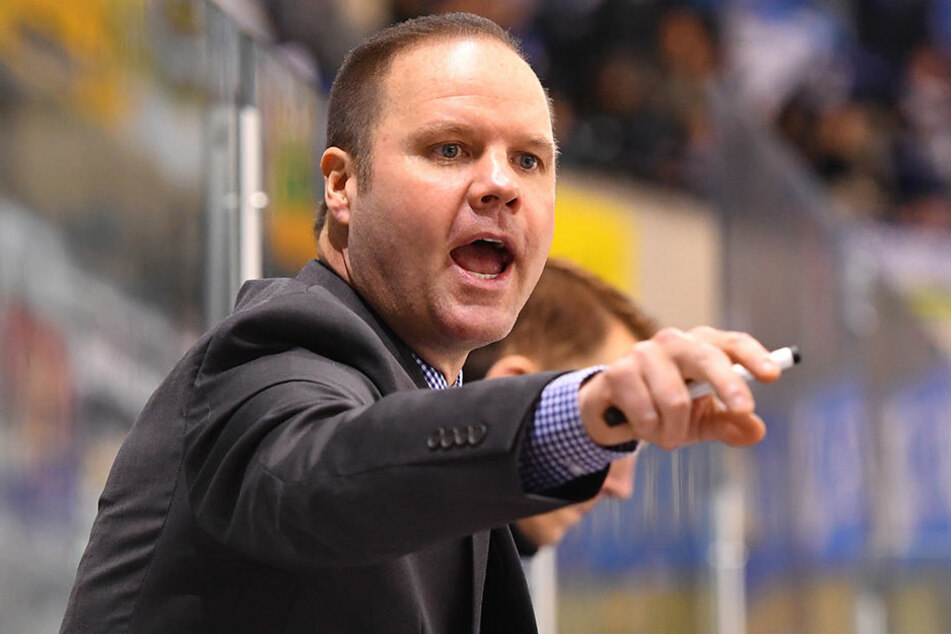 Eislöwen-Coach Bradley Gratton war enttäuscht vom Auftritt seiner Schützlinge gegen Heilbronn.
