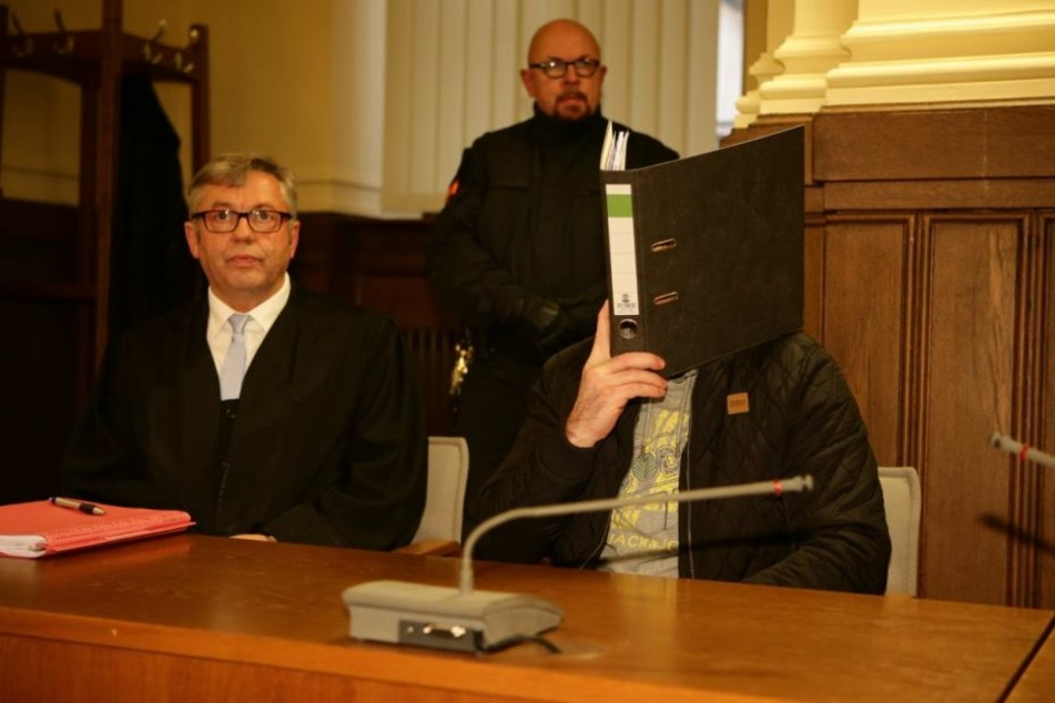 Das Landgericht Leipzig verurteilte Frank L. (36, r.) zu sechs Jahren und elf Monaten Haft. Die Staatsanwaltschaft hat Revision gegen das Urteil eingelegt.