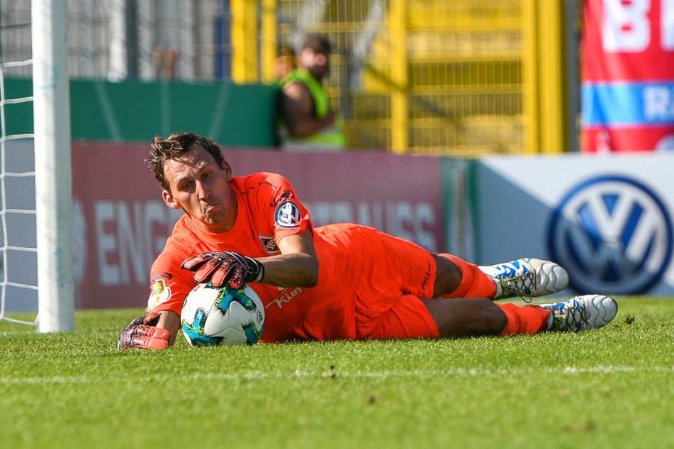 Dorfmerkingens Torhüter Christian Zech, der einen Elfmeter von Timo Werner hielt, war zufrieden mit der Leistung seines Teams.