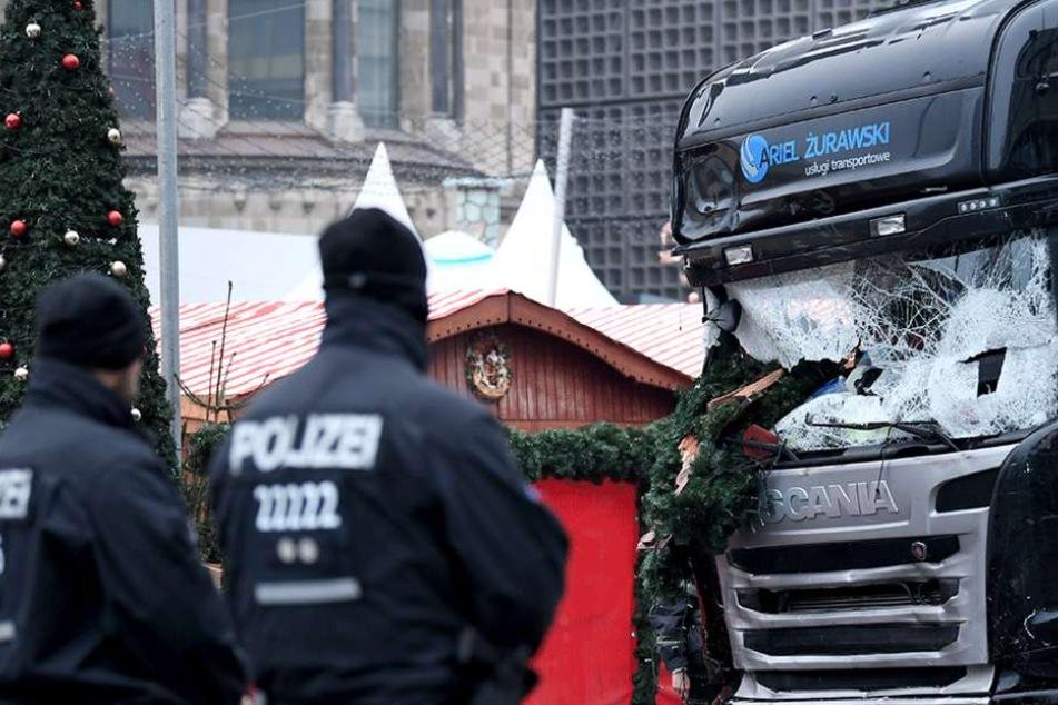 IS bekennt sich zu Weihnachtsmarkt-Anschlag. Polizei ist hochalarmiert