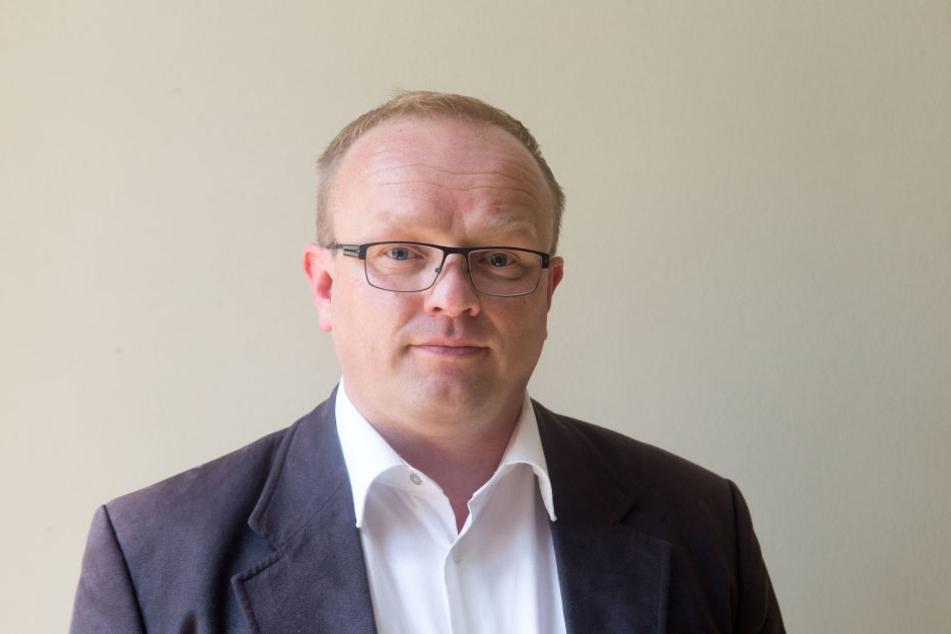 Falk Müller (42, AfD) fand heraus, dass die CVAG 45.000 Euro Vandalismusschaden pro Jahr verbuchen muss.