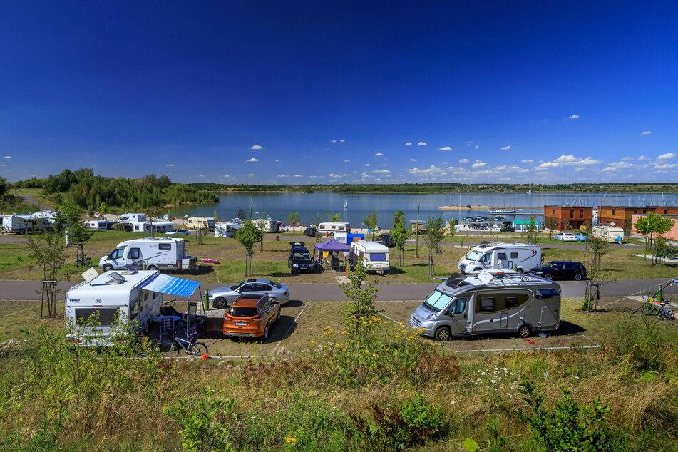 Der Störmthaler Badesee hat sich in den letzten Jahren sehr verändert und ist zu einem beliebten Ausflugs- und Urlaubsziel geworden.
