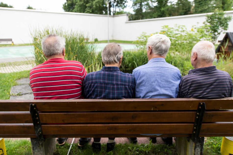In Hessen müssen immer mehr Senioren ins Gefängnis. (Symboldbild)
