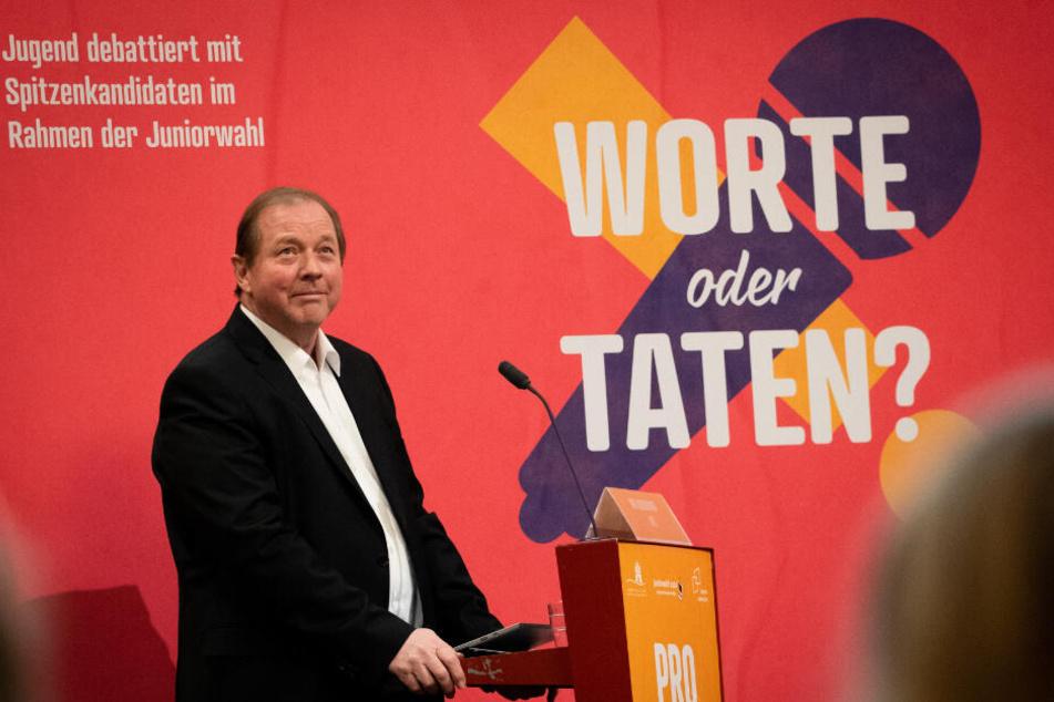 """Bei der Veranstaltung """"Jugend debattiert"""" sprach Dirk Nockemann mit Schülern."""