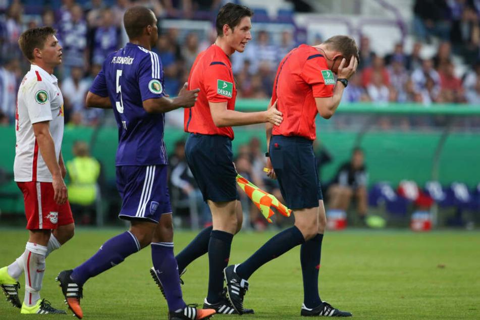 Martin Petersen wurde am 10. August beim Pokalspiel Osnabrück gegen Leipzig von einem Feuerzeug getroffen. Er brach das Spiel ab, RB gewann am Grünen Tisch. Fast auf den Tag genau vier Jahre später kommt es zur Neuauflage.