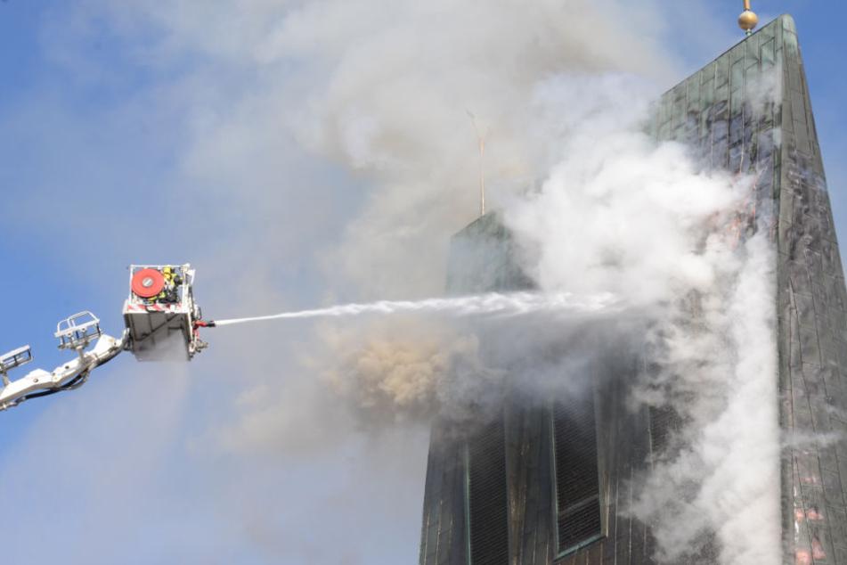 Kirche kann nach Flammeninferno gerettet werden