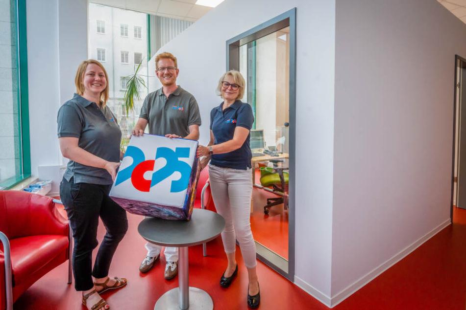 Eva Graefer (l.), Ferenc Csák (45) und Simone Becht sind gespannt: Ob Chemnitz Europäische Kulturhauptstadt 2025 wird, entscheidet sich im Herbst.