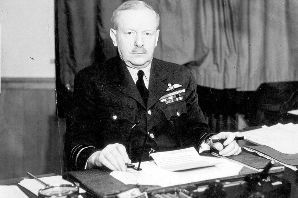 Sir Arthur Travers Harris: Der Oberbefehlshaber des Royal Bomber Command agierte mit mörderischer Konsequenz und eiserner Zielstrebigkeit.