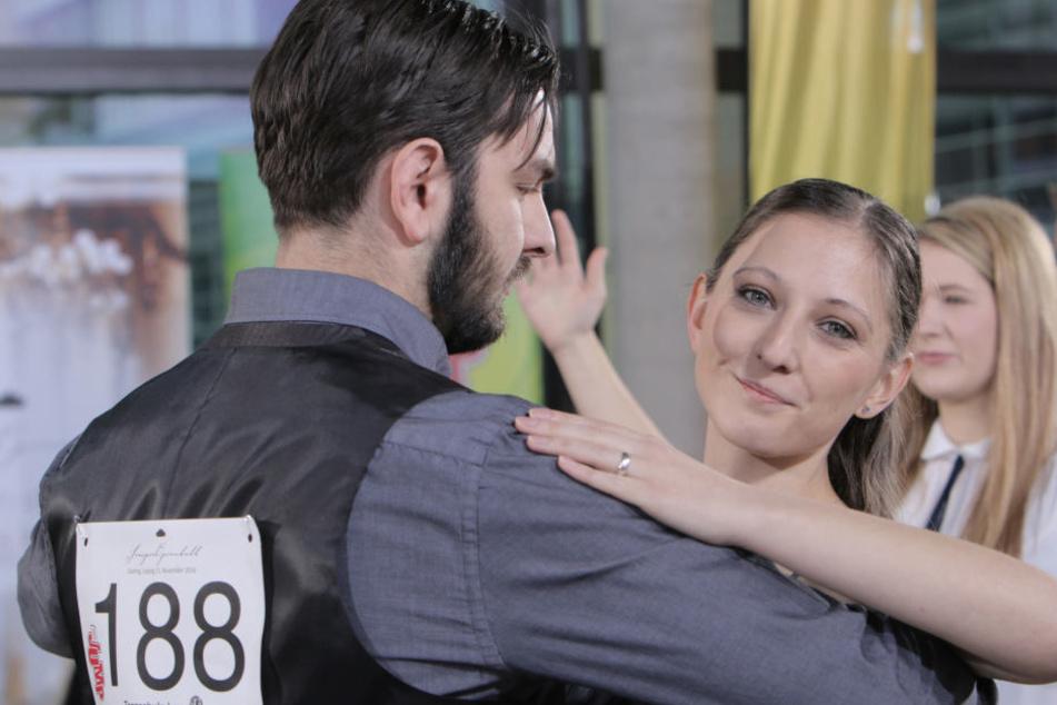 Isabell Elstner (26) und Philipp Thomas (28) haben das SemperOpernball-Casting von MDR Jump gewonnen.