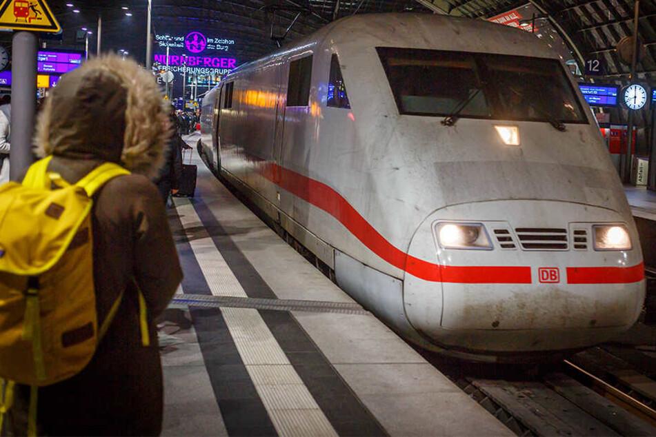 Die Bahn will in das Netzwerk wohl knapp eine Milliarde Euro investieren (Symbolbild).