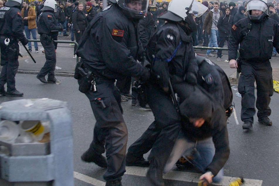 Nach dem Spiel gegen RB Leipzig kam es zu zahlreichen Attacken von Dortmunder Ultras. Auch in Lissabon musste die Polizei einschreiten.